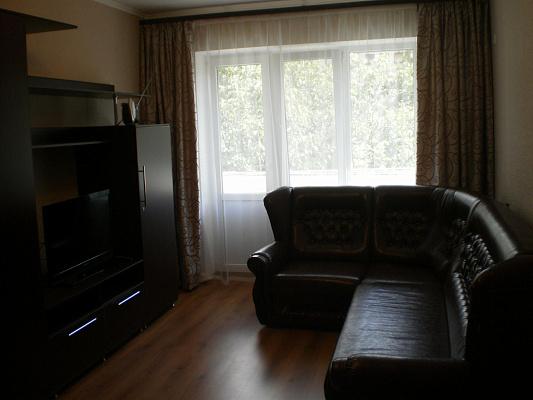2-комнатная квартира посуточно в Симферополе. Киевский район, ул. Воровского, 60. Фото 1