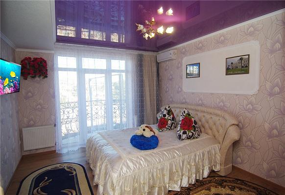 1-комнатная квартира посуточно в Алуште. Саранчева, 25. Фото 1