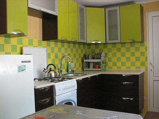 2-комнатная квартира посуточно в Евпатории. ул. Льянова, 37/77. Фото 1