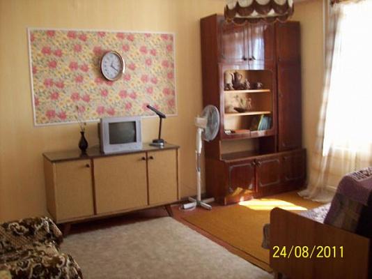 1-комнатная квартира посуточно в Феодосии. ул.Дружбы, 30а. Фото 1