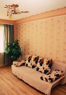 1-комнатная квартира посуточно в Донецке. Куйбышевский район, пр. Панфилова, 65. Фото 1