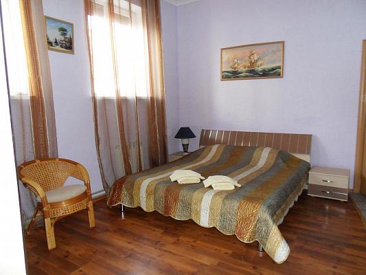 Мини-отель  посуточно в Евпатории. ул.Белинского, 3. Фото 1