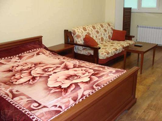 1-комнатная квартира посуточно в Евпатории. ул. Казаса, 9. Фото 1