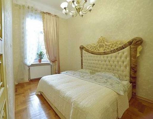3-комнатная квартира посуточно в Львове. Галицкий район, ул. Армянская, 8. Фото 1