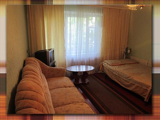 1-комнатная квартира посуточно в Прилуках. Гвардейская, 92/1. Фото 1