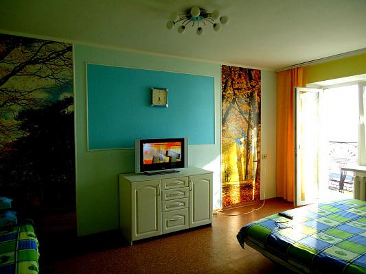 1-комнатная квартира посуточно в Бердянске. ул. Горького, 45 | 3. Фото 1