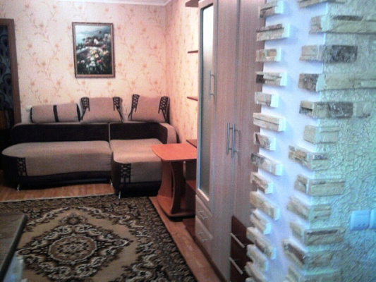 2-комнатная квартира посуточно в Феодосии. ул. Советская, 16. Фото 1