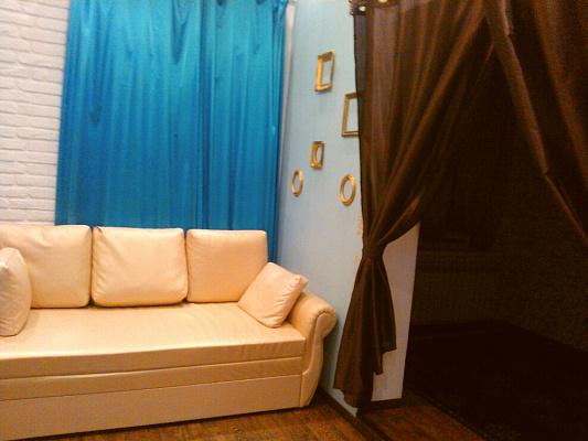 3-комнатная квартира посуточно в Полтаве. Октябрьский район, Ленина, 16. Фото 1