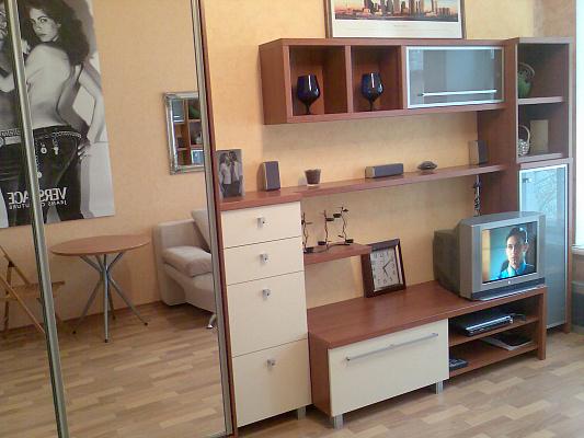 1-комнатная квартира посуточно в Одессе. Приморский район, ул. Канатная, 76. Фото 1