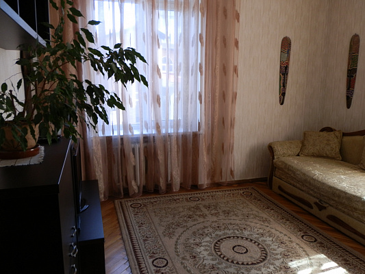 2-комнатная квартира посуточно в Виннице. Ленинский район, ул. Соборная, 101. Фото 1
