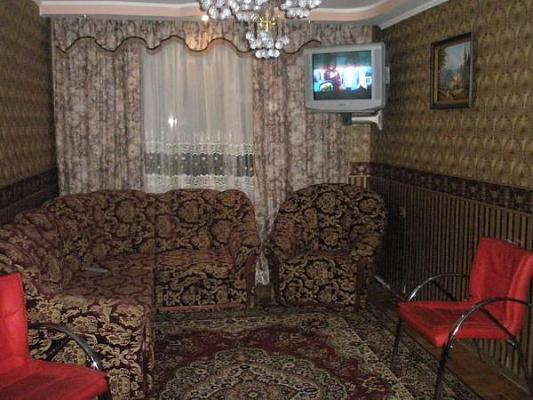 1-комнатная квартира посуточно в Тернополе. пр-т Злуки, 55. Фото 1