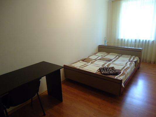 2-комнатная квартира посуточно в Киеве. Подольский район, ул. Еленовская, 34а. Фото 1