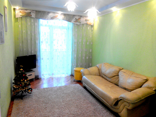 2-комнатная квартира посуточно в Запорожье. Орджоникидзевский район, ул. Независимой Украины, 68. Фото 1