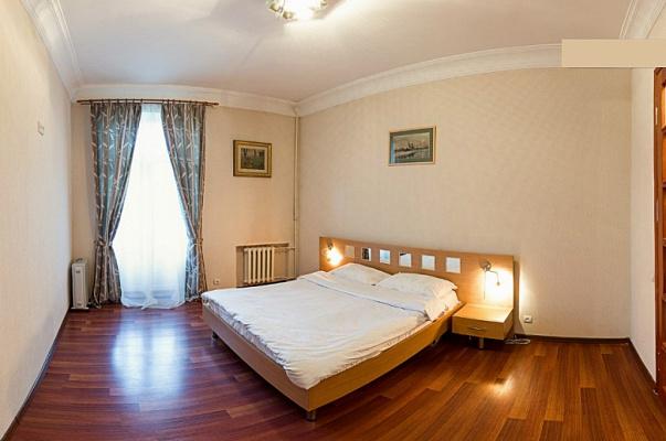 2-комнатная квартира посуточно в Киеве. ул. Антоновича, 25. Фото 1