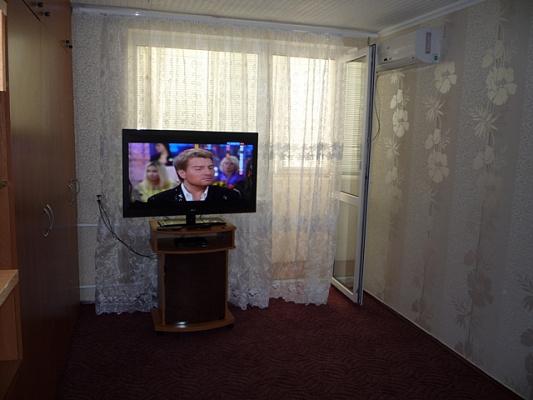 1-комнатная квартира посуточно в Севастополе. Гагаринский район, ул. Гагарина, 24. Фото 1