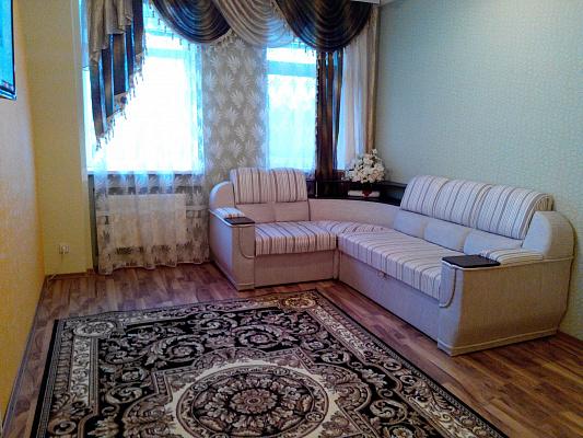 2-комнатная квартира посуточно в Кировограде. Кировский район, ул. Шульгиных, 44. Фото 1