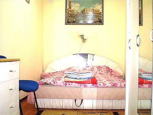2-комнатная квартира посуточно в Николаеве. Центральный район, ул. Адмирала Макарова, 39. Фото 1