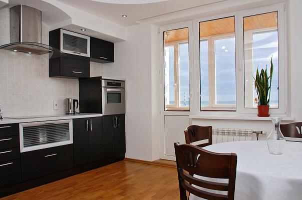 2-комнатная квартира посуточно в Киеве. ул. Михаила Гришко, 9. Фото 1