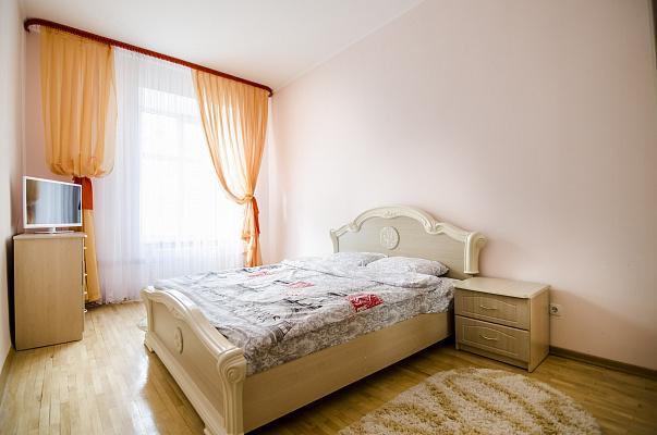 2-комнатная квартира посуточно в Львове. Галицкий район, ул. Ивана Огиенко, 17. Фото 1