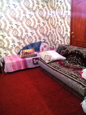 2-комнатная квартира посуточно в Миргороде. пер. Заливной, 12. Фото 1