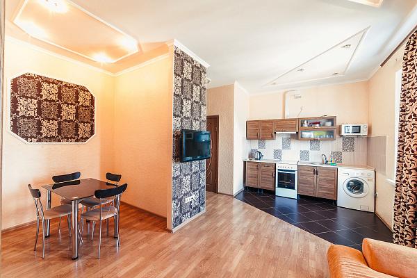 2-комнатная квартира посуточно в Одессе. Приморский район, ул. Екатерининская, 90. Фото 1