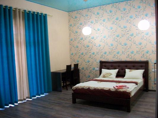 2-комнатная квартира посуточно в Черкассах. б-р Шевченко, 150. Фото 1