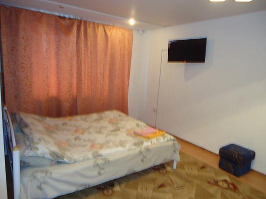 1-комнатная квартира посуточно в Краматорске. ул. Юбилейная, 24. Фото 1