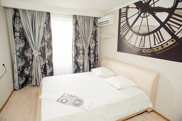 2-комнатная квартира посуточно в Черкассах. ул. Припортовая, 46. Фото 1