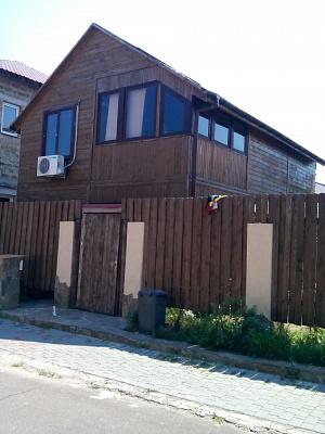 Дом  посуточно в Одессе. Киевский район, ул. Лунная, 18. Фото 1