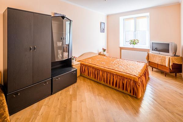 2-комнатная квартира посуточно в Львове. Галицкий район, ул. Руська, 6. Фото 1