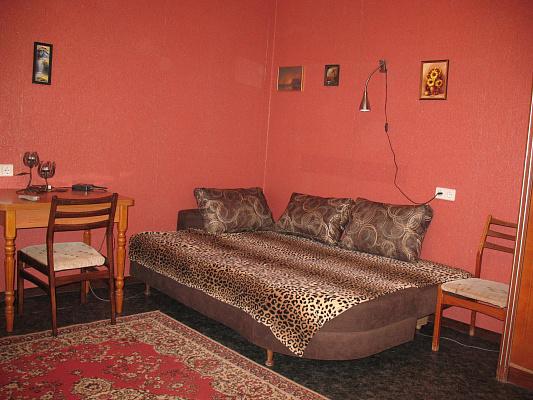 1-комнатная квартира посуточно в Южном. ул. Новобилярская, 30. Фото 1