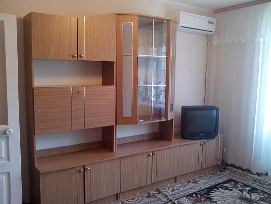 1-комнатная квартира посуточно в Южном. пр-т Мира, 21. Фото 1
