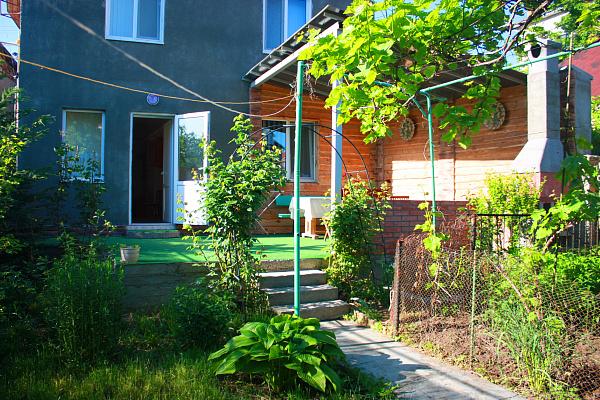 Дом  посуточно в Одессе. Киевский район, 1-й Колхозный переулок, 2. Фото 1