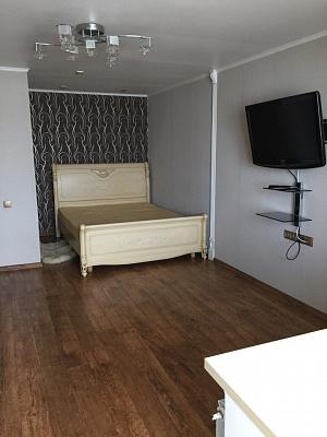 1-комнатная квартира посуточно в Ильичёвске. ул. Героев Сталинграда, 11. Фото 1