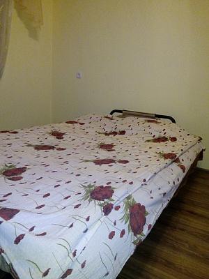 2-комнатная квартира посуточно в Черновцах. Шевченковский район, ул. Главная, 160. Фото 1