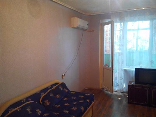 2-комнатная квартира посуточно в Энергодаре. ул. Молодежная (Комсомольская), 23. Фото 1