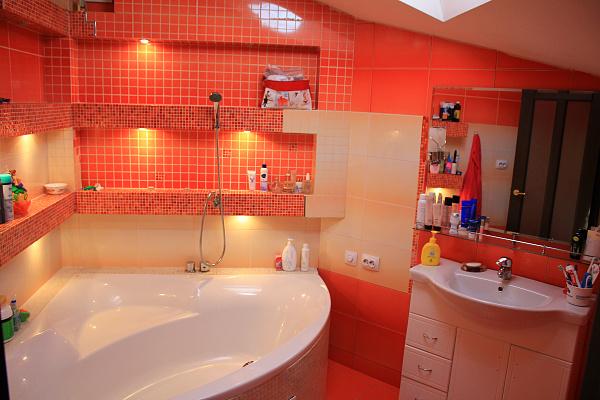 3-комнатная квартира посуточно в Ивано-Франковске. ул. Богдана Хмельницкого, 51а. Фото 1