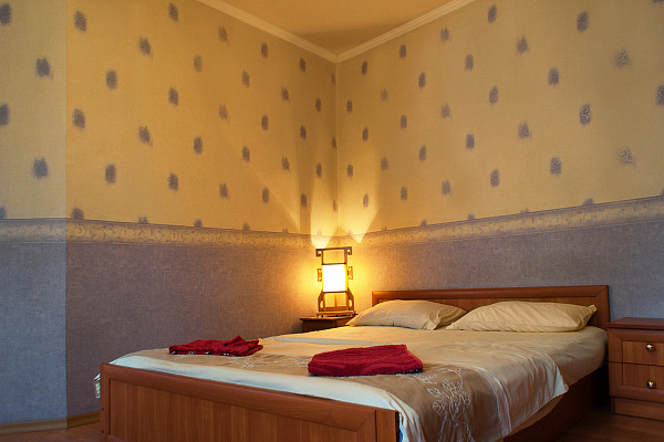 2-комнатная квартира посуточно в Одессе. Приморский район, ул. Ришелевская, 12. Фото 1