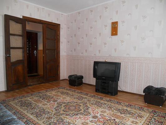2-комнатная квартира посуточно в Миргороде. ул. Якова Усика, 36. Фото 1