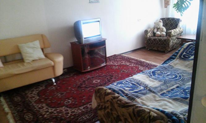 3-комнатная квартира посуточно в Херсоне. Корабельный район, ул. Дорофеева, 6. Фото 1