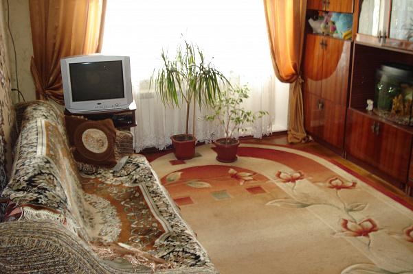 2-комнатная квартира посуточно в Бердянске. пр-т Пролетарский, 230. Фото 1