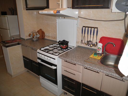1-комнатная квартира посуточно в Алуште. ул. Ялтинская, 11. Фото 1