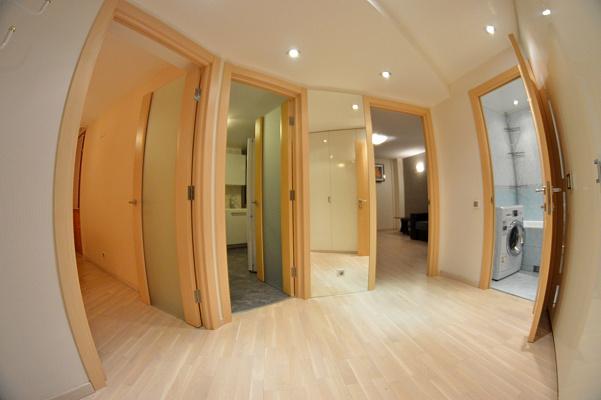 2-комнатная квартира посуточно в Киеве. Оболонский район, пр-т Оболонский, 2. Фото 1