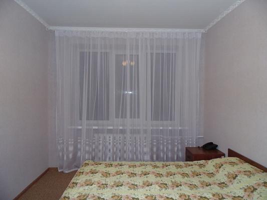 2-комнатная квартира посуточно в Виннице. Ленинский район, ул. Л. Толстого, 15. Фото 1