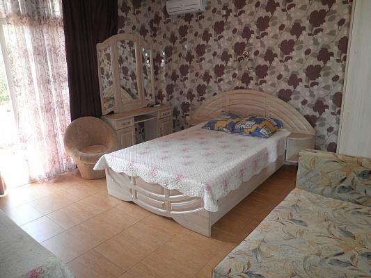 1-комнатная квартира посуточно в Алуште. ул. Береговая, 2. Фото 1