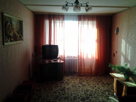 1-комнатная квартира посуточно в Шостке. ул. Черниговская (Кирова), 7. Фото 1