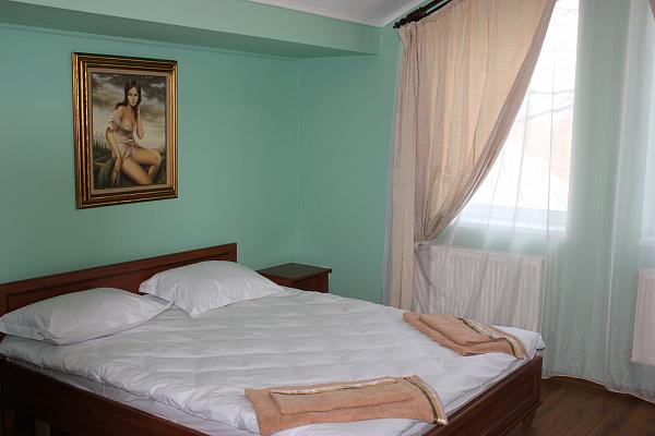 Мини-отель  посуточно в Ивано-Франковске. ул. Повстанцев, 6а. Фото 1