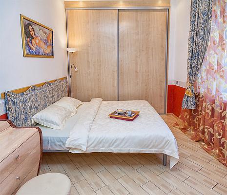2-комнатная квартира посуточно в Киеве. ул. Большая Васильковская, 25. Фото 1