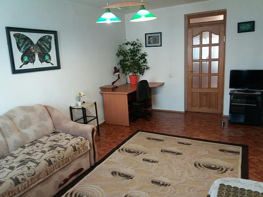 2-комнатная квартира посуточно в Херсоне. Днепровский район, ул. Илюши Кулика, 114. Фото 1