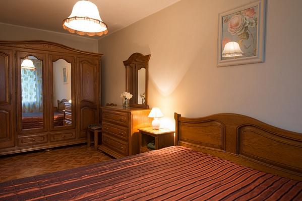 3-комнатная квартира посуточно в Херсоне. Суворовский район, ул. Илюши Кулика, 114. Фото 1
